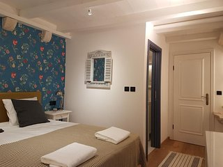 Cozy room in the center of Dubrovnik with Internet, Air conditioning