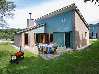 Villa in The Hague with Internet, Pool, Terrace, Garden (961236)