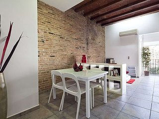 Spacious apartment in Barcelona with Internet, Washing machine, Air conditioning