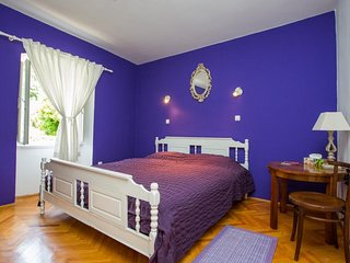 Bedroom in the center of Dubrovnik with Internet, Air conditioning, Balcony, Was