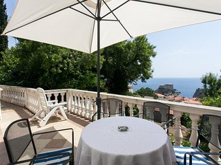 Spacious apartment in the center of Dubrovnik with Internet, Balcony
