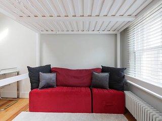 Modern 1 Bed sleeps 4 w/Balcony in Oxford Circus