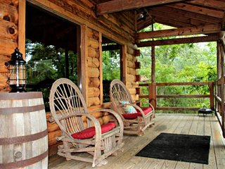Mountain Star (Cabin #6) just 3.5 miles to Townsend, Hot Tub, Peaceful Side of t