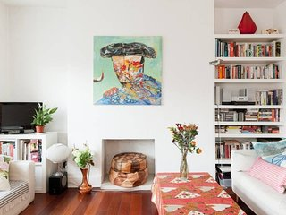 Veeve - Highbury & Islington Art Apartment
