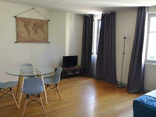 Avignon Centre Historique, Appartement T2 65 m2, 4 Couchages
