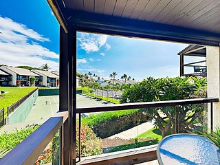 Kamaole Beach 1BR w/ Partial Ocean View - 2 Pools & Tennis, Walk to Dining