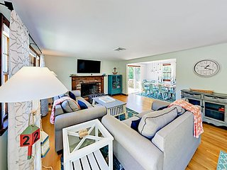 Walk to Beach & Downtown! 3BR w/ All-New Furniture, A/C & Bocce Ball Court
