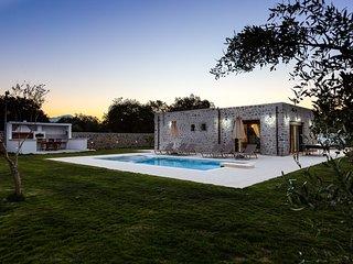 Liatiko House, nature-inspired retreat!