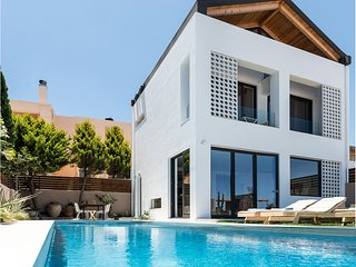 fosvilla is a brand new luxurious house with private heated pool