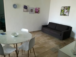 Appartamento con spaziosa veranda in zona centrale