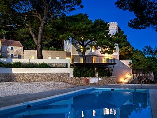 Beachfront Villa Castellum with Pool