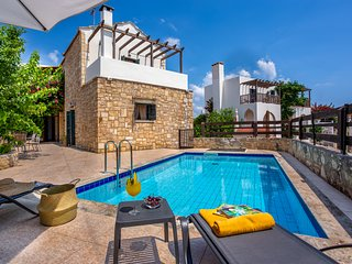 3 BEDROOM VILLA/PRIVATE POOL - DOULIANA VILLAS
