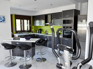 Modern new Em & Em apartment