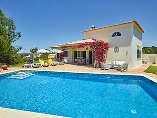 3 bedroom Villa in Porches, Faro, Portugal : ref 5643976