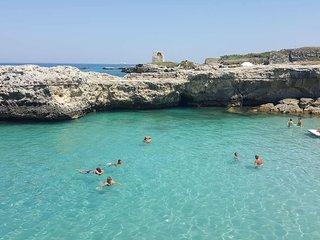 Villetta Isabella, Roca (Torre dell'Orso, Grotta della Poesia) 2 min walk to sea