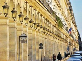 PARISIAN SPLENDOUR-TUILERIES,PLACEVENDOME,LOUVRE
