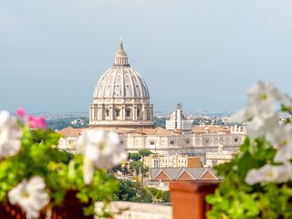 Rome Luxury Penthouse with Roof Garden Stunning View Exclusive Experience! 6 pax