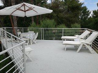Villetta Laura a 100 metri dal mare con nuovo patio attrezzato e giardino