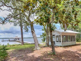 NEW LISTING! Bayfront home w/views, pier, boat slip & private smokehouse-dogs OK