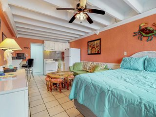 NEW LISTING! Oceanfront and cozy studio with shared pool and easy beach access!