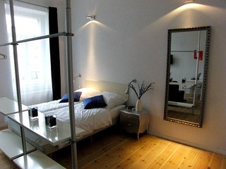 Studio apartment in Berlin with Internet, Lift, Washing machine (380020)