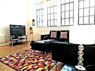 Apartment 788 m from the center of London with Internet, Lift, Washing machine (