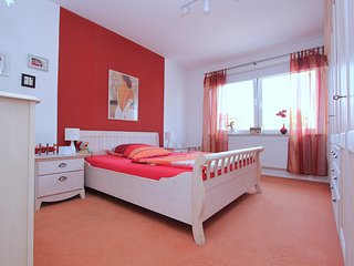 Spacious apartment in Hanover with Parking, Internet, Balcony