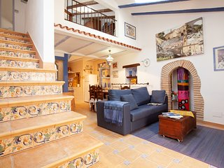 RUSTIC APARTMENT IN THE OLD TOWN TOSSA 2