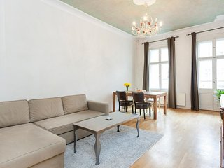 Spacious apartment close to the center of Berlin with Internet, Washing machine