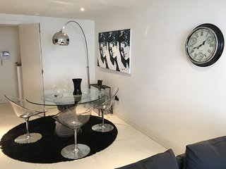 Apartment in London with Internet, Lift, Washing machine (740619)