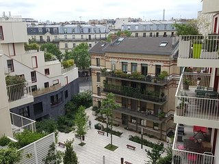 Spacious apartment in Paris with Lift, Internet, Washing machine, Terrace