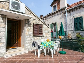 Apartment 1.1 km from the center of Dubrovnik with Internet, Air conditioning, T