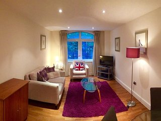 Apartment in London with Internet, Lift, Washing machine (740594)