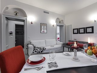 Apartment 780 m from the center of Milan with Internet, Air conditioning, Lift,