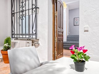 Spacious apartment a short walk away (205 m) from the 'Playa de Pedregalejo' in