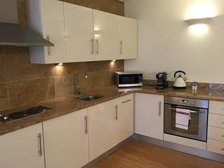 Cozy apartment in London with Lift, Internet, Washing machine, Air conditioning