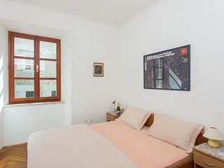 Bedroom in the center of Dubrovnik with Internet, Air conditioning (990838)