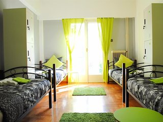 Apartment 780 m from the center of Athens with Internet, Air conditioning, Lift,