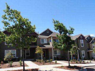 572 Fair Oaks Court~ Ashland