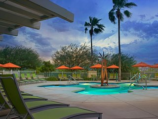 2 Bedroom - Marriott Canyon Villas Resort - sleeps up to eight (8) - great loc.