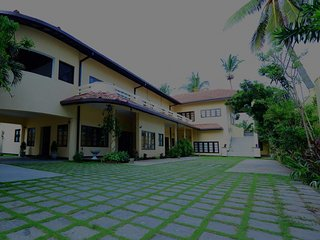 Ivy Residencies - Lotus Apartment in Mount Lavinia, Sri Lanka.