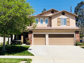 Cozy & Prime Location 4bd/3ba close Convention Center, Ontario Airport 四房豪装独立别墅