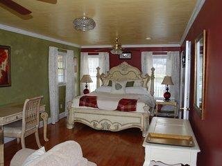 Olive Leaf Cottage Suite