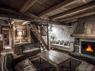 Chic Rustic chalet Fruitiere 200m from ski lift. Option meal service