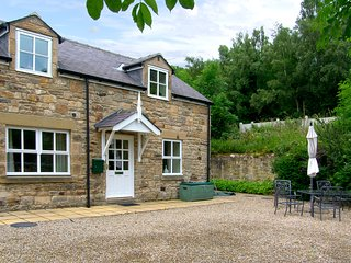 NORTH TYNE COTTAGE, family-friendly, Near Hexham