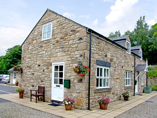 SOUTH TYNE COTTAGE, country holiday cottage, Near Hexham