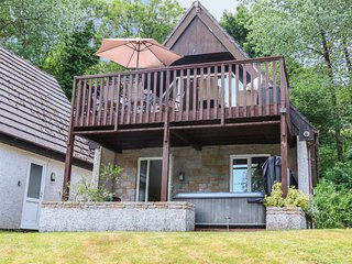 VALLEY LODGE 48, on well-appointed Honicombe Park, near Gunnislake