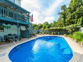 Charming 4BR w/ Saltwater Pool - Just 2 Minutes to Downtown Weaverville