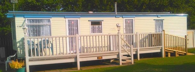 8 BERTH 3 BEDROOM CARAVAN TP38