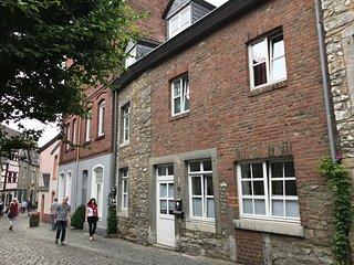 Burgstrasse 32